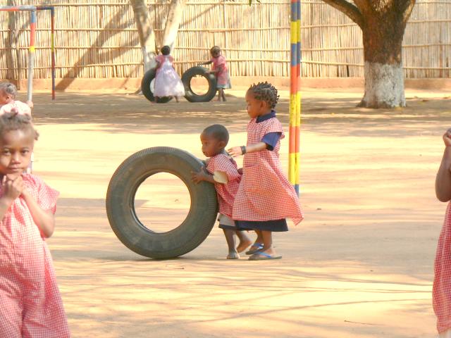 Antes de comenzar las clases.... A jugar!!! Las ruedas estaban bastante solicitadas ;)
