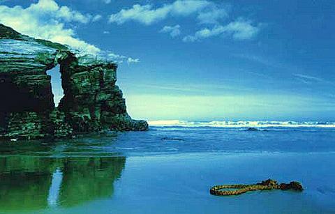 cielo y Acantilado